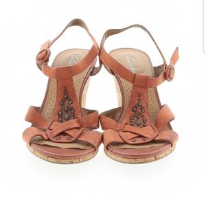 Clark's Tan Leather Wedge Sandals - sz. 9.5